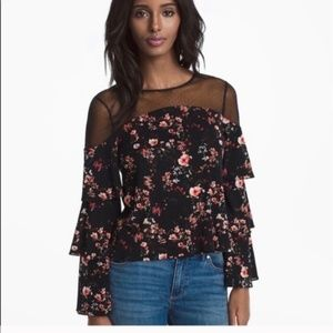White House Black Market | NWT Black Floral Top